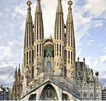 Essential Gaudi Tour